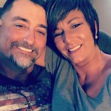 Profil korisnika Chad &Jonette
