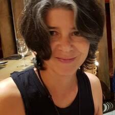 Miriam Luz es SuperAnfitrión.