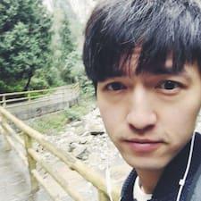 小江 felhasználói profilja