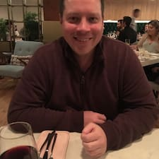 Aaron Profile ng User