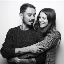 További információk Daniel & Gigi házigazdával kapcsolatban