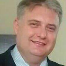 Profilo utente di Douglas A