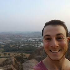 Yuval felhasználói profilja