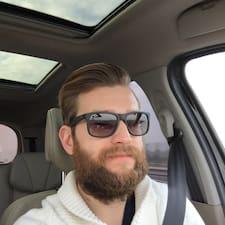 Péter felhasználói profilja