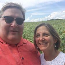 Rich & Julie is a superhost.