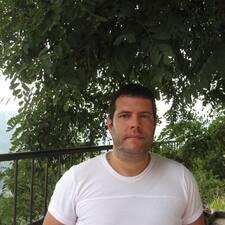Vladeta felhasználói profilja