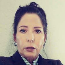 Blanca Susana Superhost házigazda.