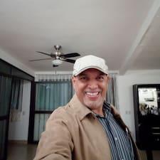 Alejandro的用戶個人資料