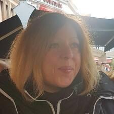 Carine Brugerprofil