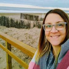 Profil Pengguna Maria Andrea