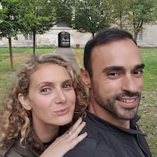الملف الشخصي لAngie & Chris ARTISAN LOFTS PARIS