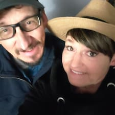 Jim And Becky Kullanıcı Profili
