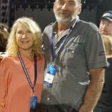 Chris & Carol è un Superhost.