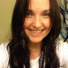 Profil Pengguna Courtnei