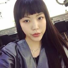 Yeonhwa的用戶個人資料