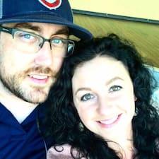 Emily & Jason ist ein Superhost.