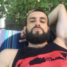 Adrian felhasználói profilja