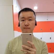 鸣 felhasználói profilja