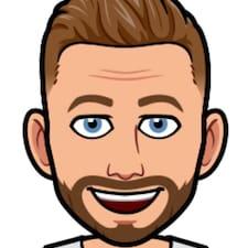 Roman felhasználói profilja