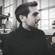 Avraham felhasználói profilja