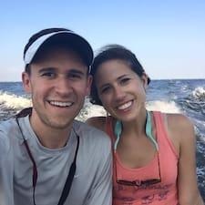 Profil korisnika Julia & Derek