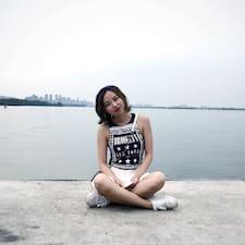 可爱 felhasználói profilja