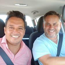 Profil korisnika Mauricio & Paul