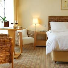 Sea View Hotel的用戶個人資料