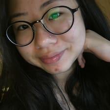 โพรไฟล์ผู้ใช้ Leehyun (Chloe)