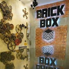 Brick Box är en Superhost.