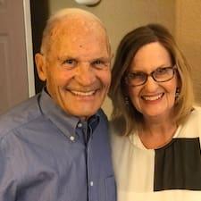 โพรไฟล์ผู้ใช้ Willard With Wife Betty
