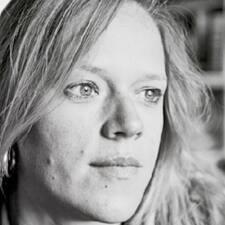 Anne-Claire Brugerprofil