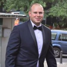 Julian Brugerprofil