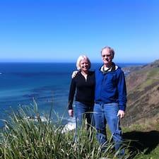 Linda & Peter er ofurgestgjafi.