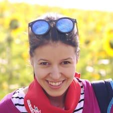 Cosmina felhasználói profilja