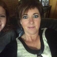 Sharon è un Superhost.