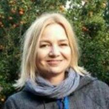 Henkilön Ioana Mihaela käyttäjäprofiili