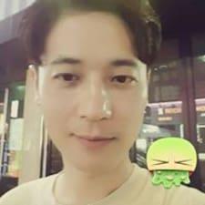 โพรไฟล์ผู้ใช้ Eunghyun