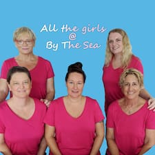 The Girls At By The Sea é um superhost.