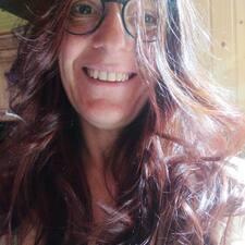 Núria User Profile