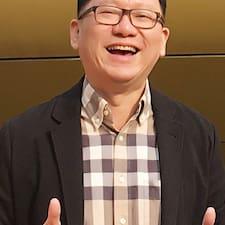 德康 felhasználói profilja