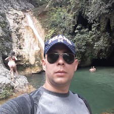 Obtén más información sobre Pedro Antonio