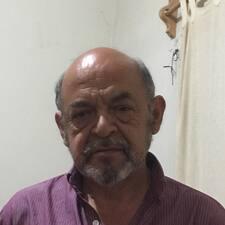 Roberto E.