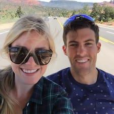 Casey & Lindsay je superhostitelem.