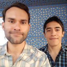 Andrés Y Manuel