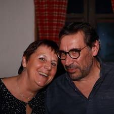 Profil Pengguna Therese & Bernard