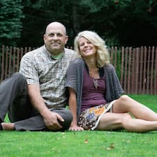 Learn more about Heidi & Chris