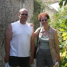 Véronique & Thierry是房東。