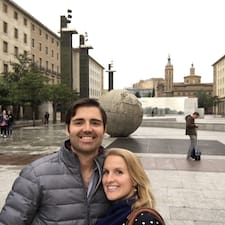 Pedro & Laura Superhost házigazda.