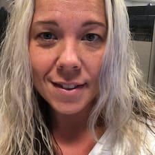 Profil Pengguna Lisa Marie